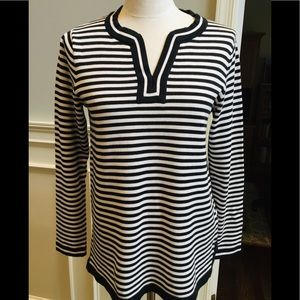 Lands End tunic in black and white stripe